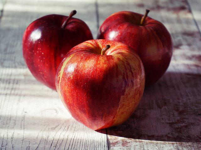Delicious Gut Healing Apple Stew